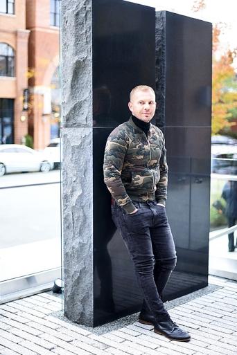jacob-neminarz-wearing-zara-camouflage-bomber-jacket_1