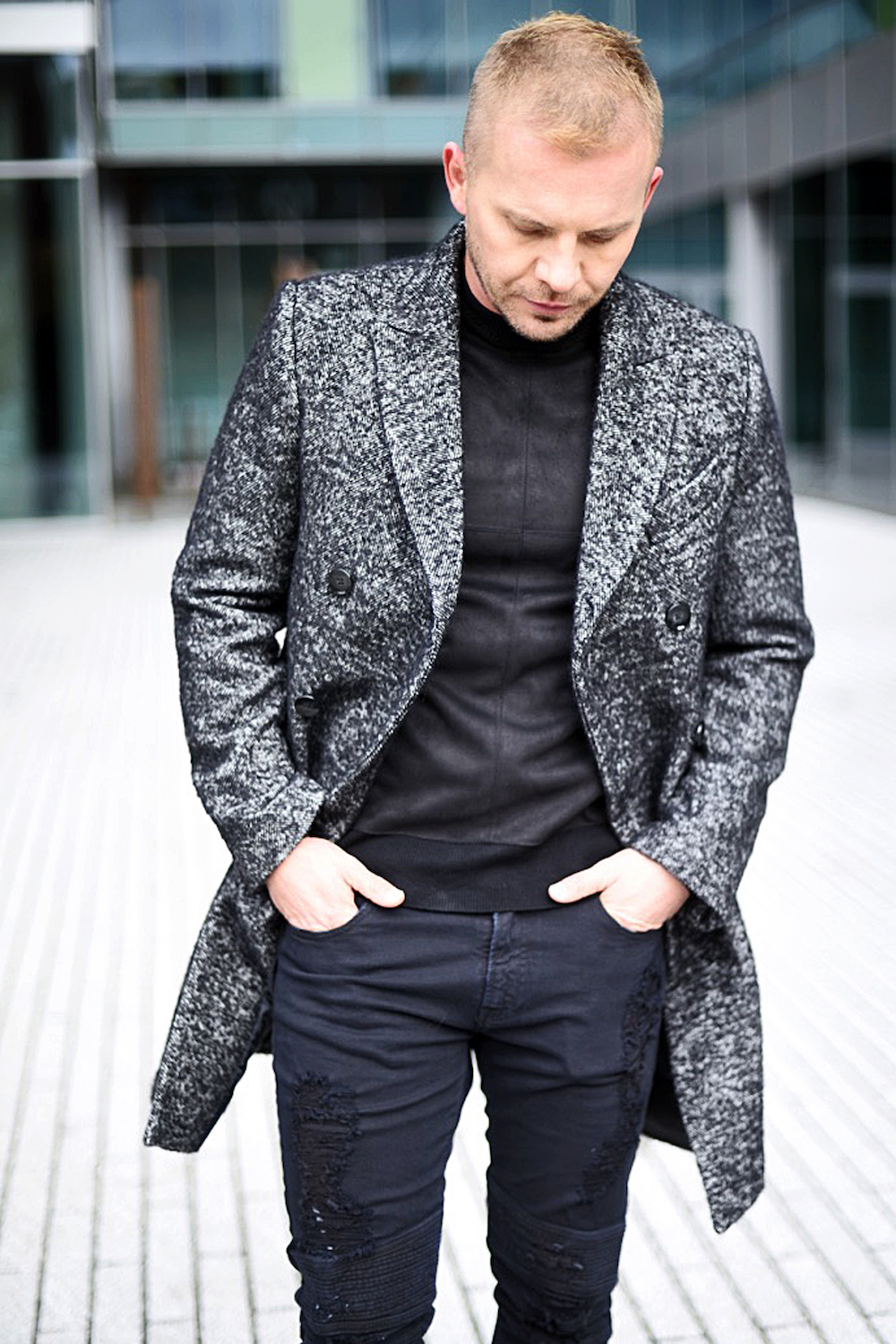 jacob-neminarz-wearing-zara-herringbone-coat_2