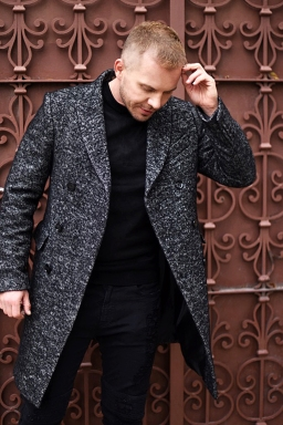 jacob-neminarz-wearing-zara-herringbone-coat_4